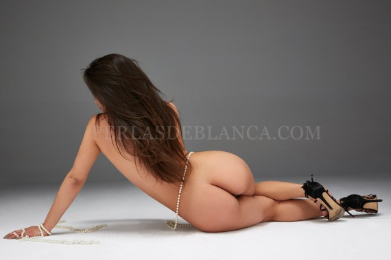 Triana is the escort in Madrid with the most impressive ass - Perlas de Blanca